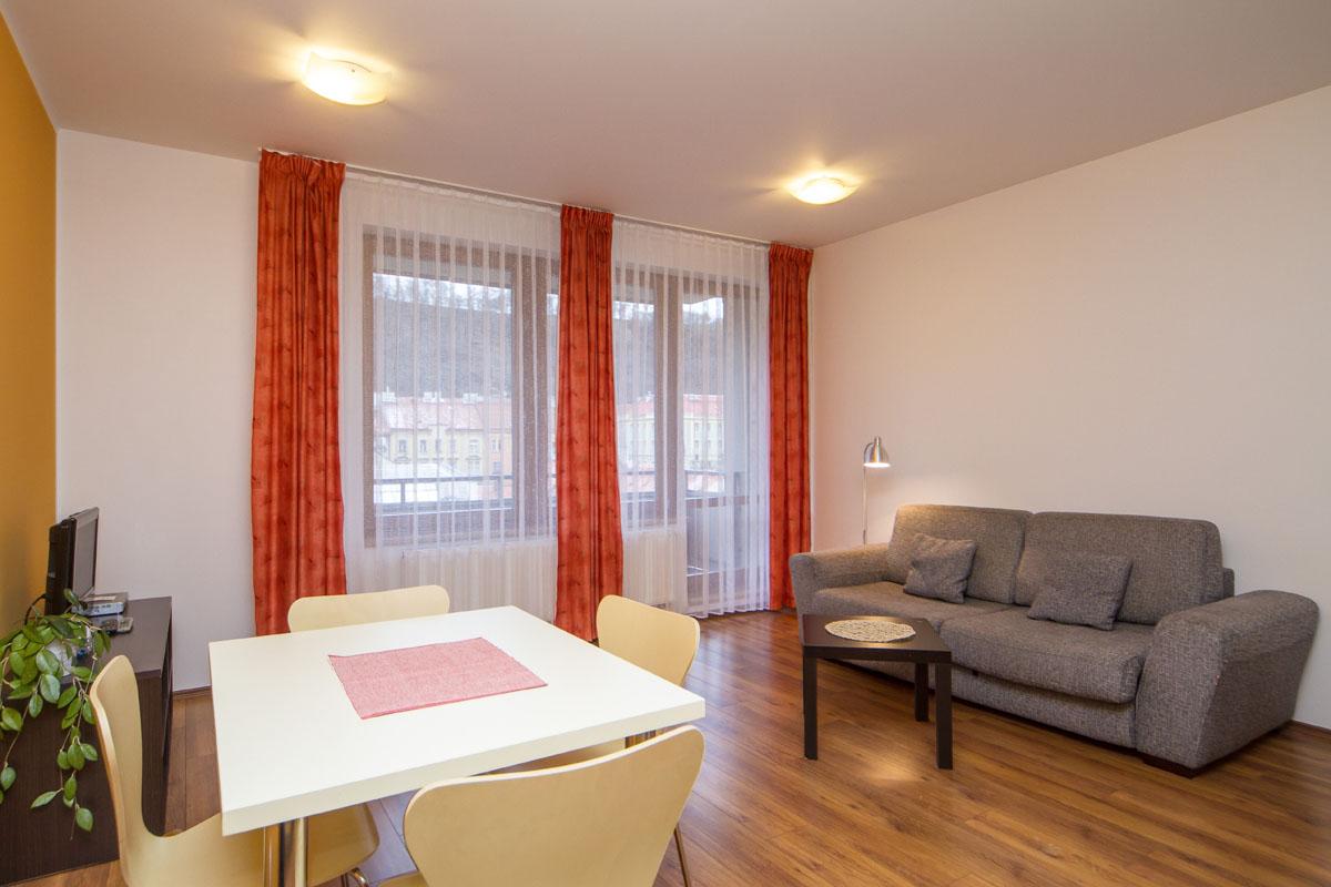 large-suite05