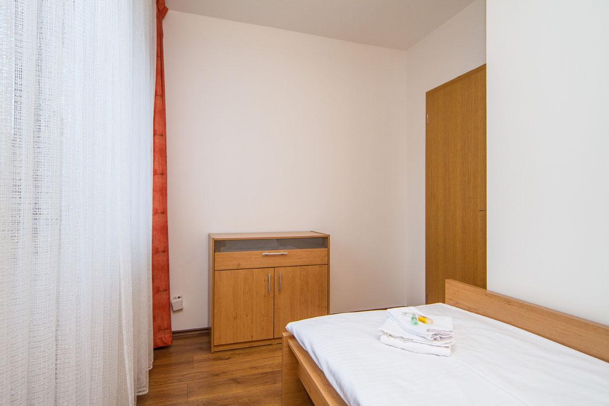 large-suite16