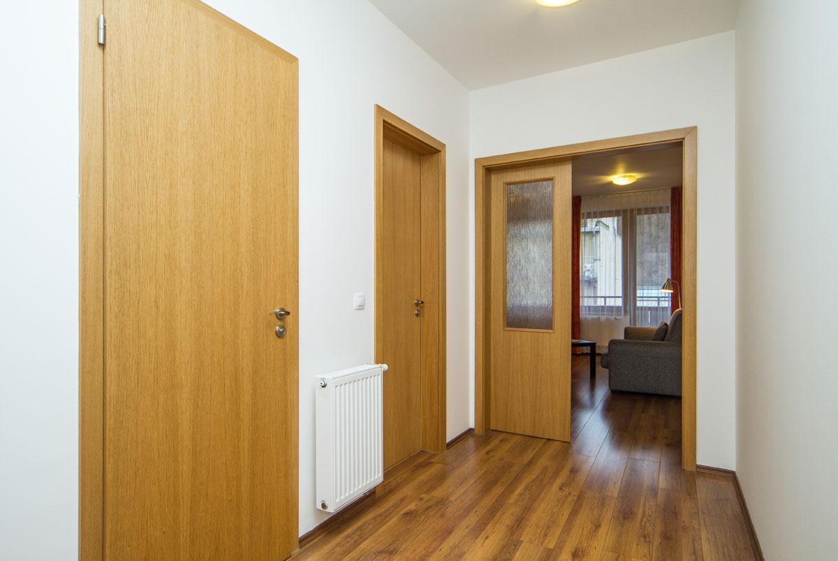 large-suite17